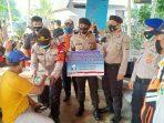 Polres Kep Seribu Ke 8 Warga Pulau Pemukiman Bagikan Masker Sebanyak 2.600 Masker Medis
