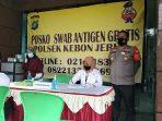 Warga Kebun Jeruk Setelah Mudik, Swab Antigen Gratis di Polsek Kebon Jeruk