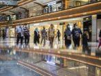 Pemerintah Kembali Kurangi Jam Operasional, Mal-Restoran Zona Merah Tutup Jam 8 Malam