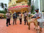 Kepolisian Tanjung Duren Salurkan Bantuan Hewan Qurban