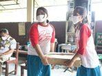 KKP Bagikan 1,2 Ton Ikan ke Kampung Pemulung hingga Lapas Anak