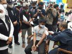 Gubernur Khofifah Meninjau Vaksinasi Disabilitas IKA UNAIR dan BK3S