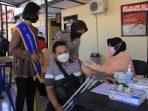 Semangat Penyandang Disabilitas Ikuti Vaksinasi Covid-19 tahab 2 di Polres Madiun